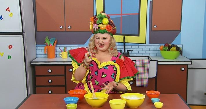 Mélanger | Mme Fruitée fait un gâteau
