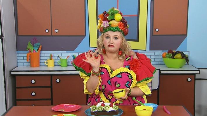 Décorer | Mme Fruitée fait un gâteau