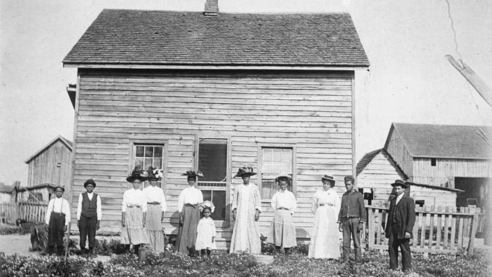 Essay: Canadian Settlements