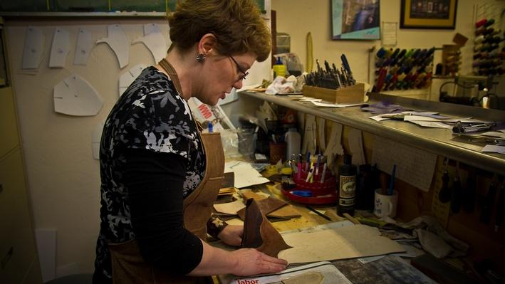 Lisa Sorrell Creates Vamps | Craft in America