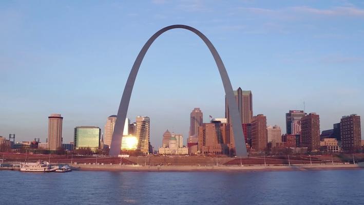 Saarinen's St. Louis Gateway Arch, Monument Design, and Westward Expansion
