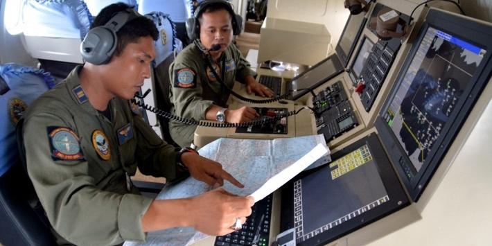 Search Teams Find Remains of Missing AirAsia Plane - Video
