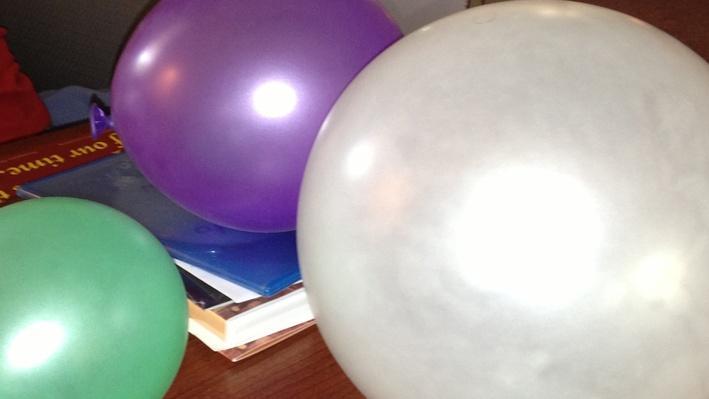 SciGirls | Bouncing Balloons