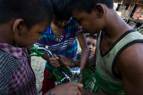 Fixing a Broken Bicycle | Global Oneness Project