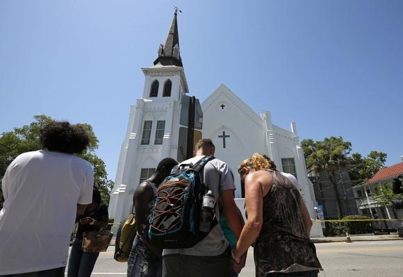 Gunman Shoots Nine People at Charleston Church – Video