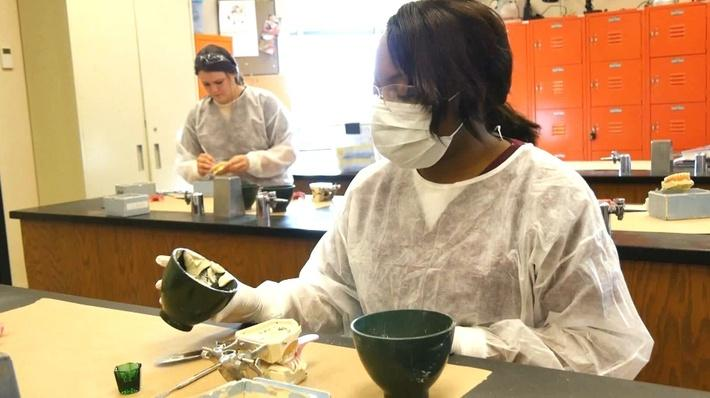 Career Connections | Dental Assisting