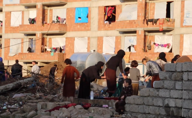 ISIL Battles Displacing Families for Winter - Video