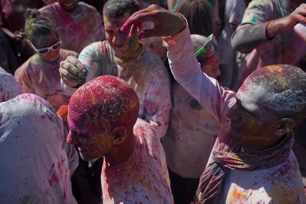 Hindu Celebration of Phagwah or Holi | Global Oneness Project