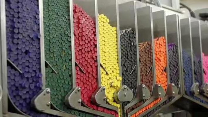 How People Make Crayons