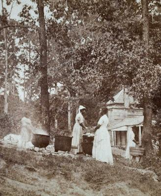Slaves washing clothes on a Southern plantation