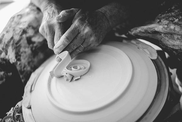A Plate by Potter Sandy Simon   Global Oneness Project