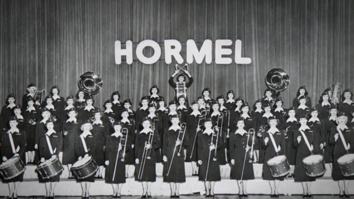 Elisa Korenne: Hormel Girls