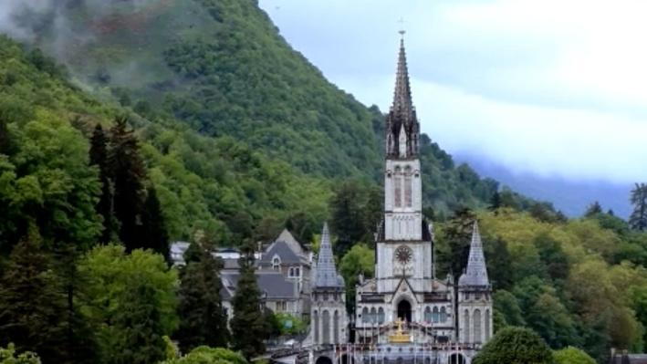 Lourdes: Visions of the Virgin Mary