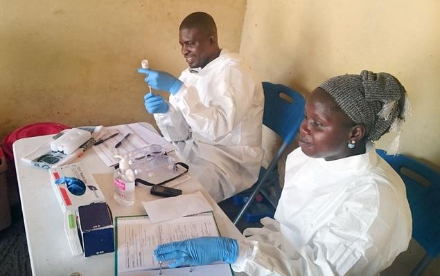 Scientists Test New Ebola Vaccine Under Tough Conditions - Video