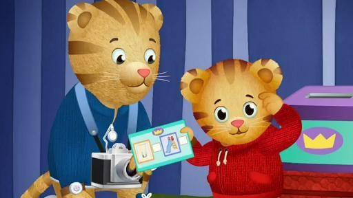 In the Neighborhood Voting Booth | Daniel Tiger's Neighborhood