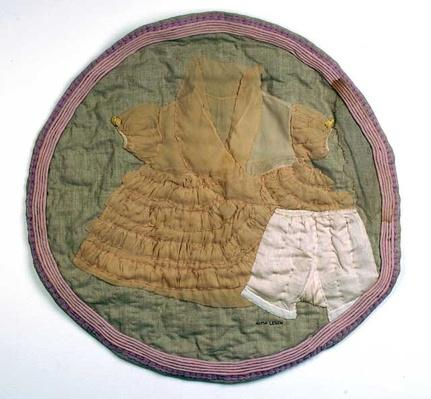 Quilted, appliquéd, and pieced fabric of Rebecca by Alma Lesch, 1989