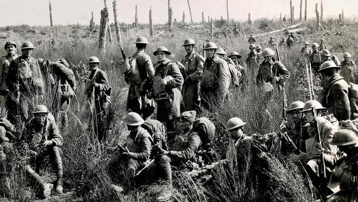 Photograph of American troops in the battle field