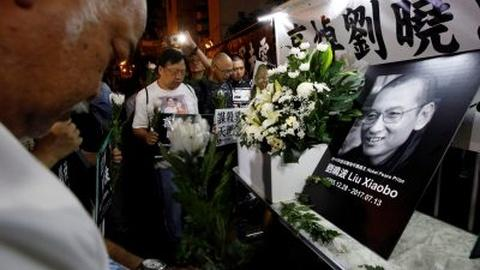 PBS NewsHour -- News Wrap: Nobel laureate Liu Xiaobo dead at 61