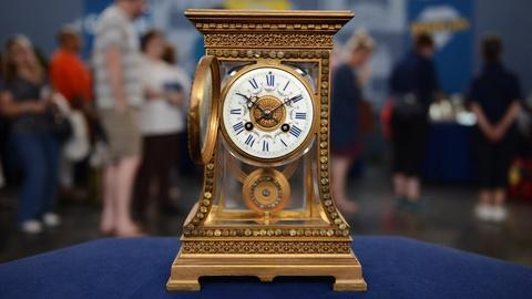 Antiques Roadshow -- S21 Ep13: Appraisal: French Crystal Regulator, ca. 1900