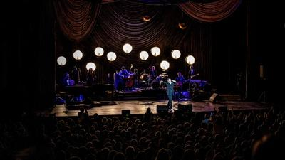 """Miss Chatelaine """""""" k.d. lang at the Majestic Theatre in Texas"""