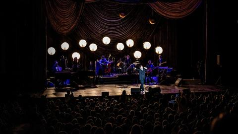 Miss Chatelaine – k.d. lang at the Majestic Theatre in Texas