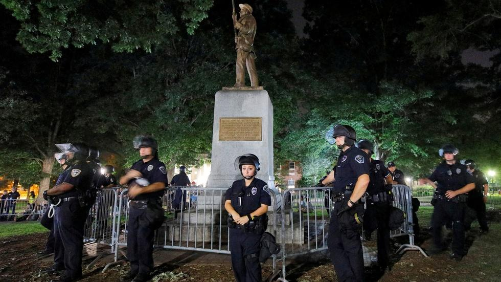 Why America is wrestling with Confederate monuments image