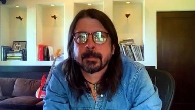 """Dave Grohl: """"I Was Scared"""" to Write About Kurt Cobain"""