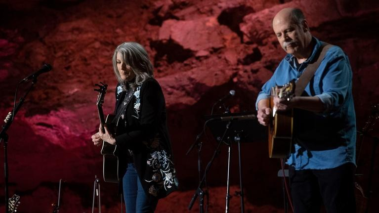 "Bluegrass Underground: Kathy Mattea ""Eighteen Wheels and a Dozen Roses"""