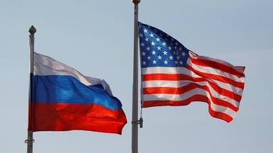 U.S. and Russia agree to extend limits on nuclear arms