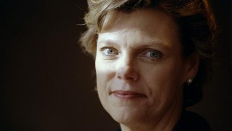 PBS NewsHour -- Linda Wertheimer and Nina Totenberg remember Cokie Roberts