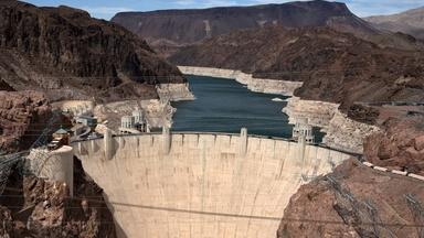 News Wrap: Major U.S. reservoir hits record low