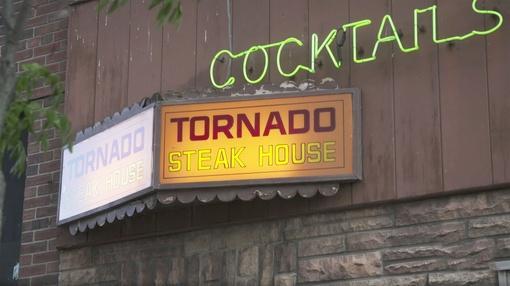Wisconsin Foodie : Tornado Room | Elmaro Winery