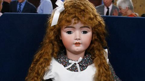 S24 E20: Appraisal: Heinrich Handwerk Doll, ca. 1900