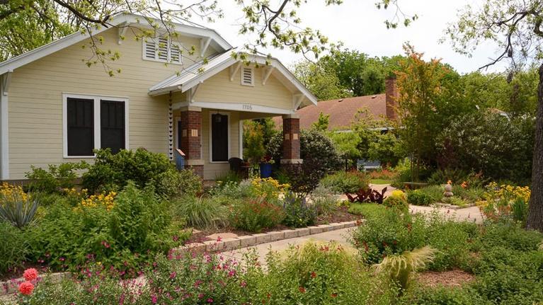 Central Texas Gardener: Small Gardens: Huge Impact Designs
