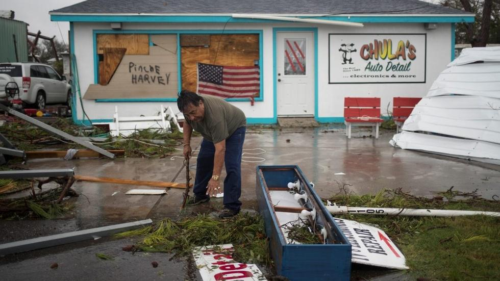As hurricane slows, Texas braces for further damage image
