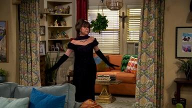 """Rita Moreno's mother inspired her """"One Day at a Time"""" role"""
