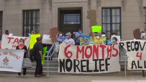 Undocumented immigrants rally for pandemic relief