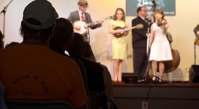 Country Music in Washington: Bluegrass at the Old Lucketts Schoolhouse