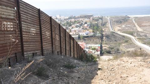 Washington Week -- What's happening right now at the U.S.-Mexico border?