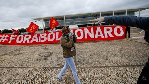 Brazil's Lula slams Bolsonaro for downplaying coronavirus