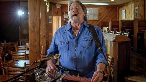 "David Holt's State of Music -- Jerry Douglas Plays ""Hey Joe"""