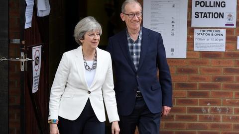 PBS NewsHour -- News Wrap: Exit polls show lead for U.K. Conservatives