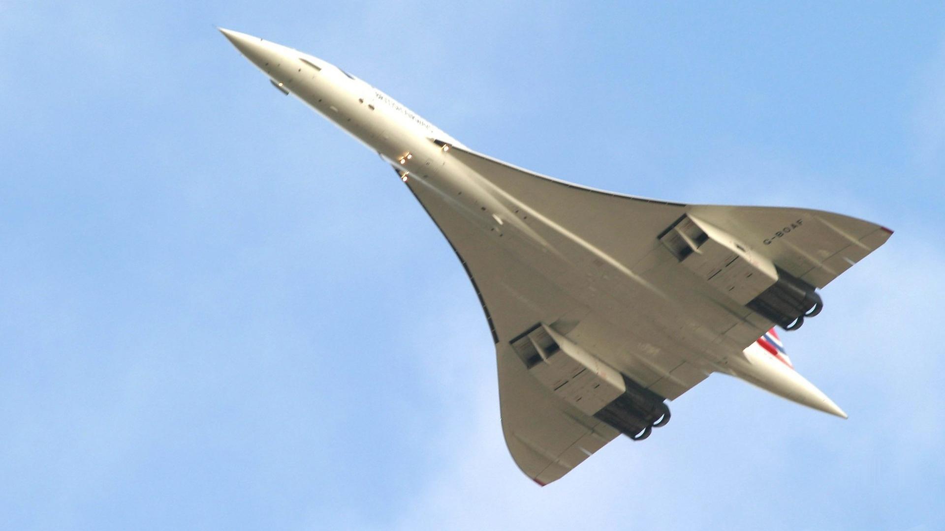 Flying Supersonic Nova Pbs