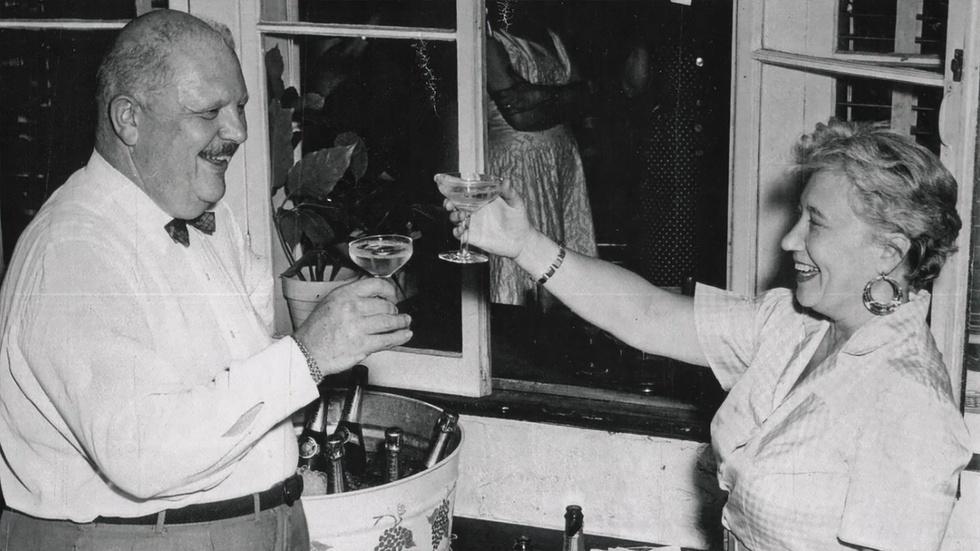 S31 Ep4: James Beard as a Gastronomic Gigolo image