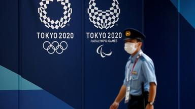 News Wrap: Olympics host Tokyo sees COVID cases surge