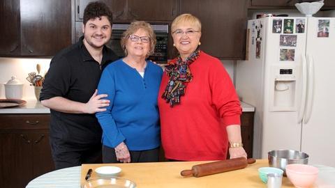 Lidia Celebrates America -- Lidia Makes Shoofly Pie in Pennsylvania