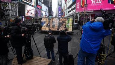 December 31, 2020 - PBS NewsHour full episode