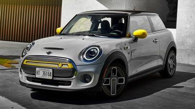 2020 Mini Cooper S E & 2020 Chrysler Pacifica Hybrid