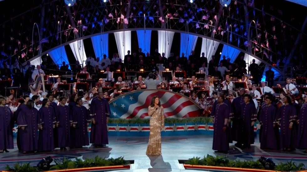 "Vanessa Williams Performs ""Let There Be Peace on Earth"" image"