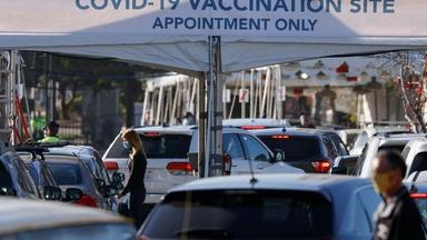News Wrap: U.S. coronavirus deaths near 390,000